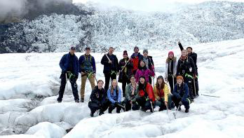 BBIN体育 students on a glacier in Iceland